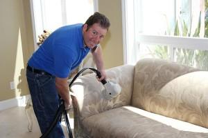 Comment nettoyer un fauteuil en tissu - Comment nettoyer le tissu d un fauteuil ...