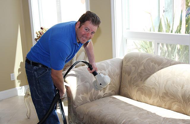 Comment nettoyer le canapé et le faire devenir comme neuf