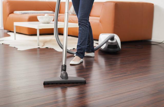 des conseils pratiques pour nettoyer le parquet page 2 sur 3. Black Bedroom Furniture Sets. Home Design Ideas