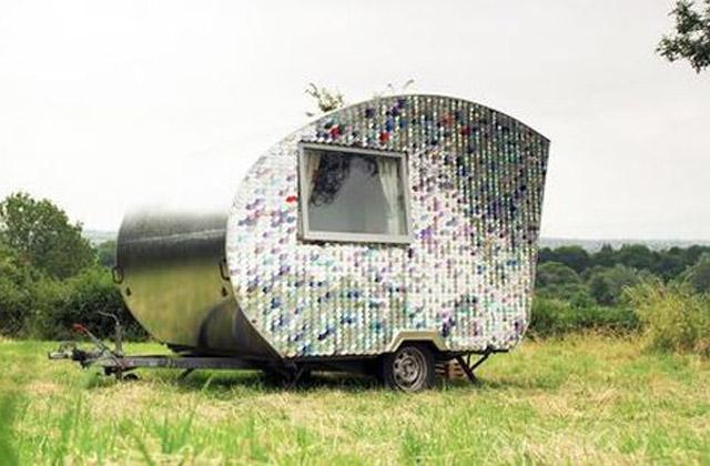 Une vieille remorque transformée en une roulotte de luxe avec 170 €