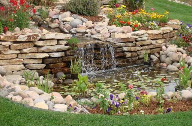 Des idées pour décorer le jardin avec des pierres