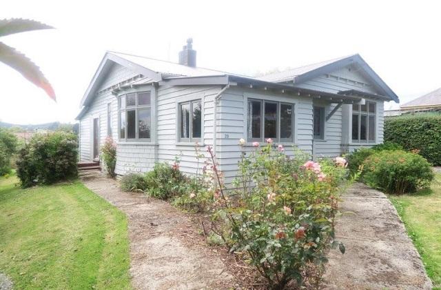 En Nouvelle-Zélande, une petite ville recherche désespérément des travailleurs, en offrant des maisons