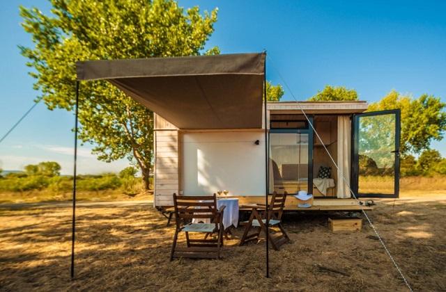 Une petite maison en bois de seulement 9 m page 3 sur 3 for Peut utiliser four sans vitre interieure