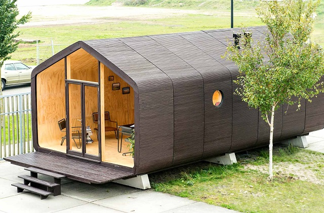 Wikkelhouse, une maison en bois et en carton
