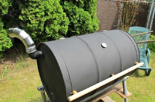comment construire un barbecue avec un baril vid o. Black Bedroom Furniture Sets. Home Design Ideas