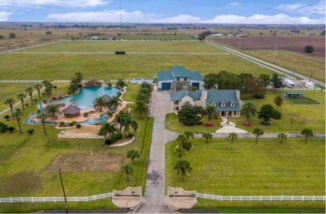Une villa avec piscine extra-large est en vente au Texas