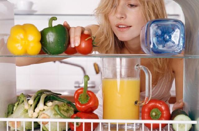 est d'essayer de garder votre réfrigérateur propre et bien rangé