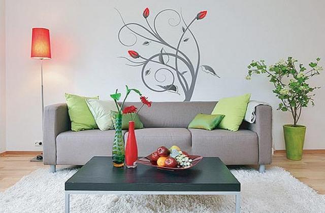 Comment utiliser les pochoirs pour décorer les murs : voilà des idées pour votre maison