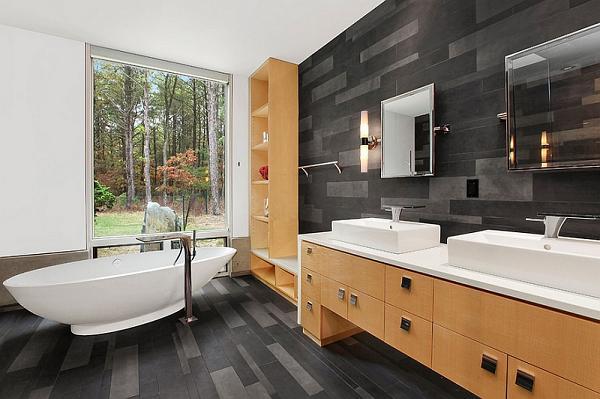 Des salles de bains minimalistes noires et blanches