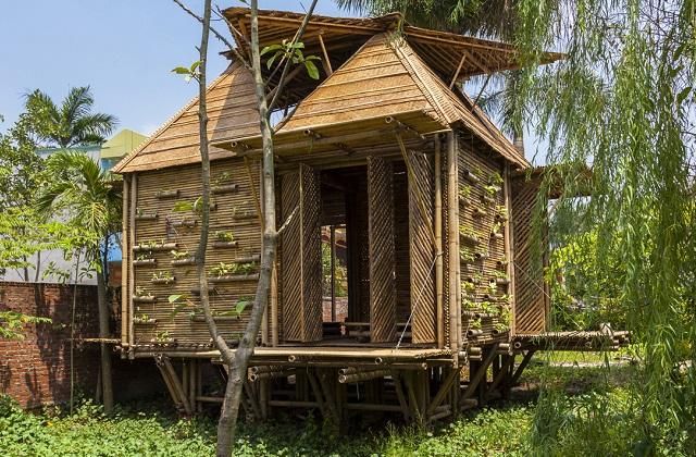 Construire une maison en bambou en 25 jours co t for Construire sa maison cout