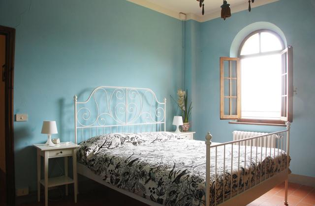 Les murs bleus