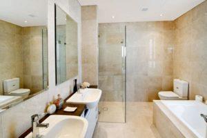 Salle de bains de style moderne ou rétro : laquelle choisir ?