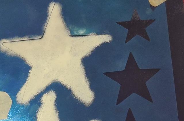 peindre de bleu tout le plafond