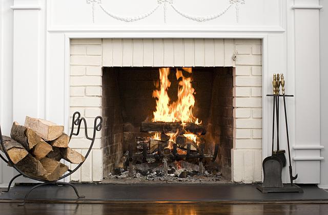 Comment réutiliser la cendre de la cheminée pour nettoyer la maison