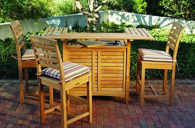 Comment organiser un coin bar dans le jardin