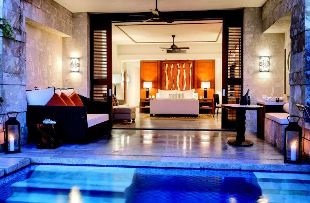 Des chambres de luxe avec piscine