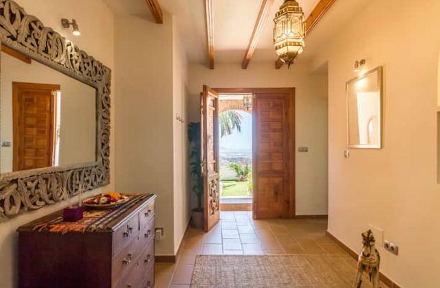 la maison parfaite avec une magnifique vue panoramique page 3 sur 3. Black Bedroom Furniture Sets. Home Design Ideas