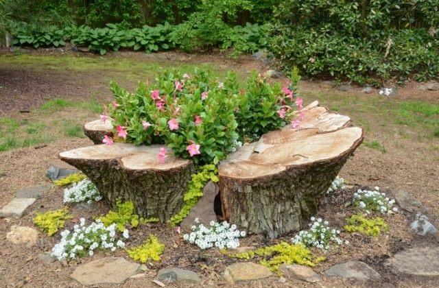 Décorer le jardin avec des troncs d'arbres : voilà nos idées et nos conseils