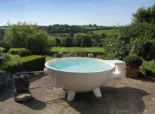 Comment construire une dutch tub, un bain à remous pour le jardin