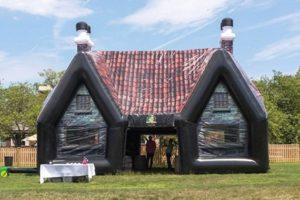 Paddy Wagon Pub : le pub irlandais gonflable